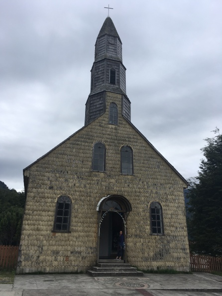 Kirche im Tal Puelo