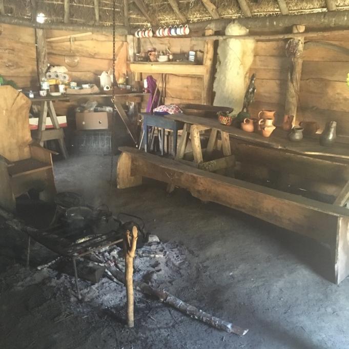 Im Haus einer Mapuchefamilie